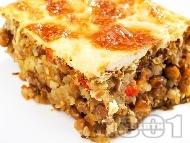 Рецепта Постна мусака с леща, картофи, моркови и чушки и заливка от яйца, мляко и сметана на фурна